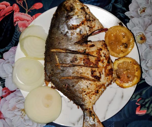WHOLE POMPANO FISH [GF]